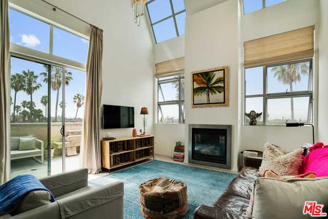 $1,099,000 - 1Br/Ba -  for Sale in Santa Monica