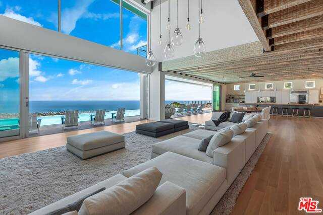 $65,000,000 - 7Br/Ba -  for Sale in Malibu