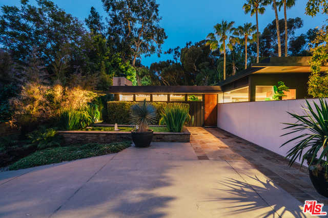 $9,500,000 - 3Br/Ba -  for Sale in Pacific Palisades