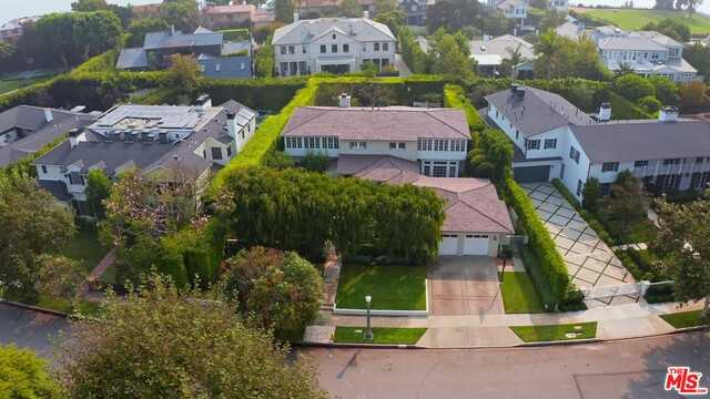 $7,850,000 - 4Br/Ba -  for Sale in Pacific Palisades