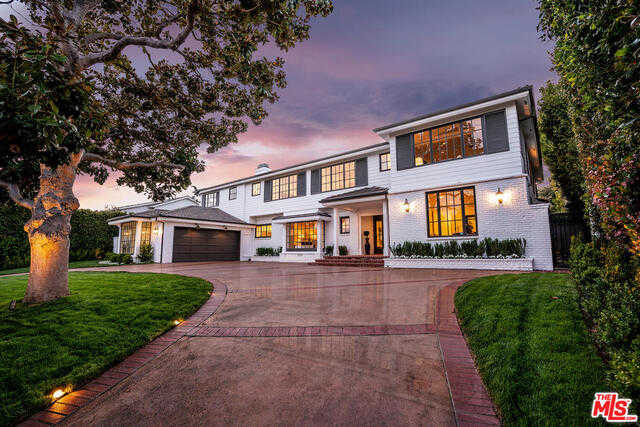 $7,900,000 - 6Br/Ba -  for Sale in Pacific Palisades