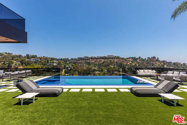 $62,000 - 6Br/Ba -  for Sale in Los Angeles