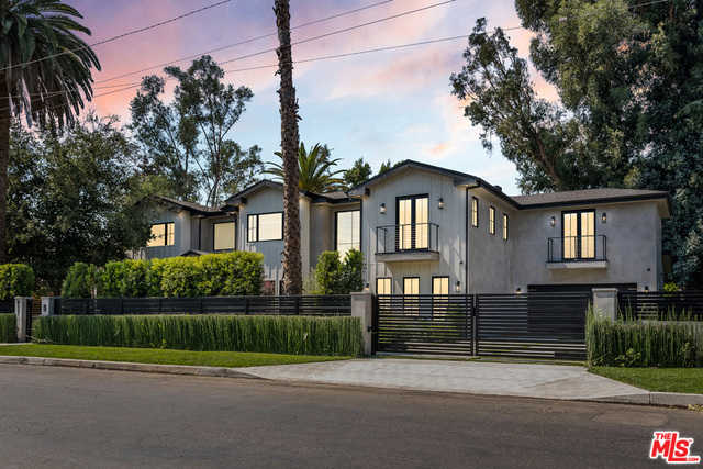 4931 Laurelgrove Ave Valley Village, CA 91607