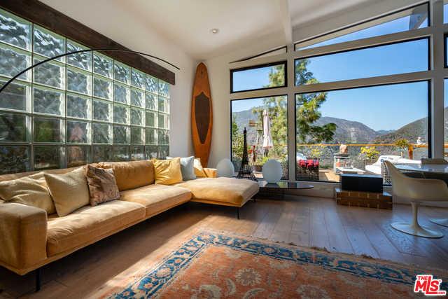 $3,750,000 - 4Br/Ba -  for Sale in Sunset Mesa, Malibu