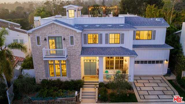 521 N Robinwood Dr Los Angeles, CA 90049