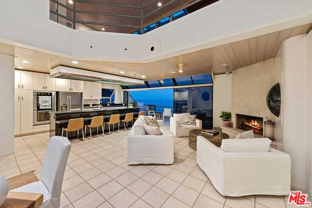 $5,750,000 - 3Br/Ba -  for Sale in Malibu