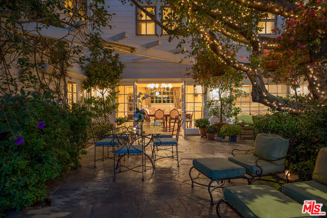 $6,895,000 - 5Br/Ba -  for Sale in Pacific Palisades