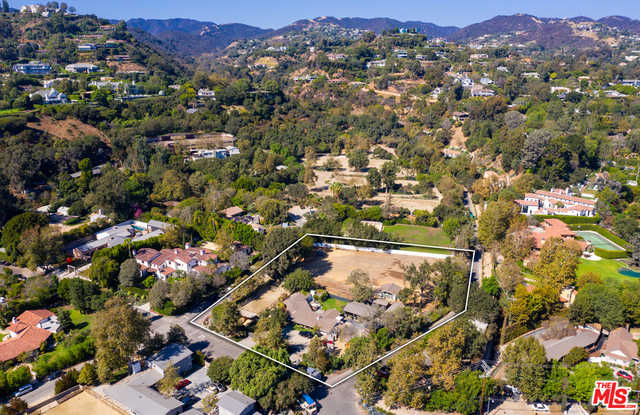 $17,995,000 - 3Br/Ba -  for Sale in Los Angeles