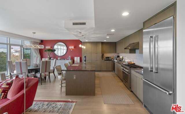 $9,918,000 - 3Br/Ba -  for Sale in Santa Monica