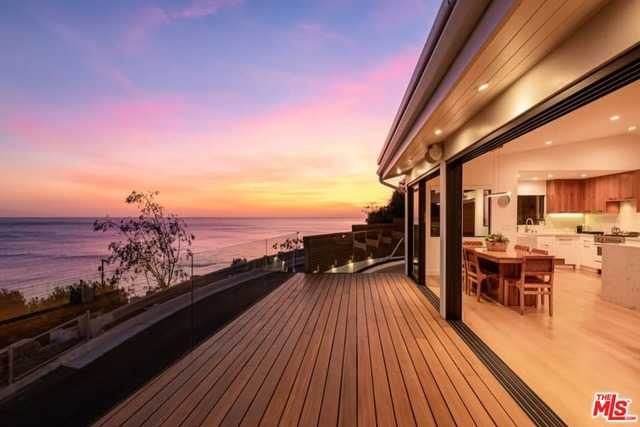 $3,500,000 - 3Br/Ba -  for Sale in Pacific Palisades