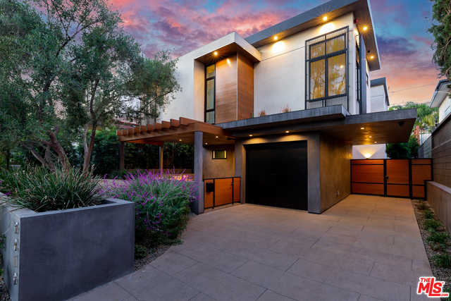 $4,750,000 - 4Br/Ba -  for Sale in West Hollywood