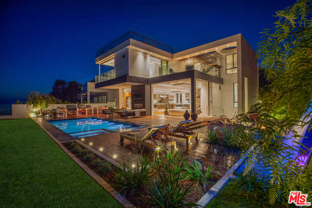 $11,995,000 - 5Br/Ba -  for Sale in Pacific Palisades
