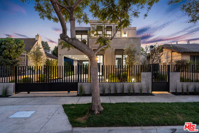$4,195,000 - 4Br/Ba -  for Sale in West Hollywood