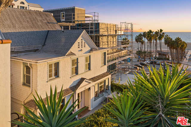 $5,875,000 - 6Br/Ba -  for Sale in Santa Monica