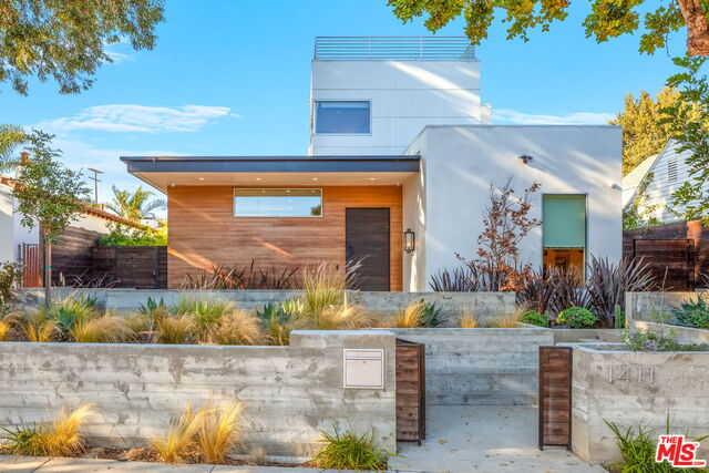 $3,995,000 - 5Br/Ba -  for Sale in Santa Monica