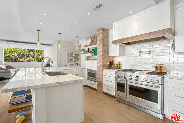 $1,495,000 - 3Br/Ba -  for Sale in Pacific Palisades