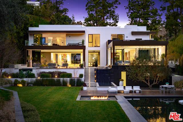 1231 Lago Vista Dr Beverly Hills, CA 90210