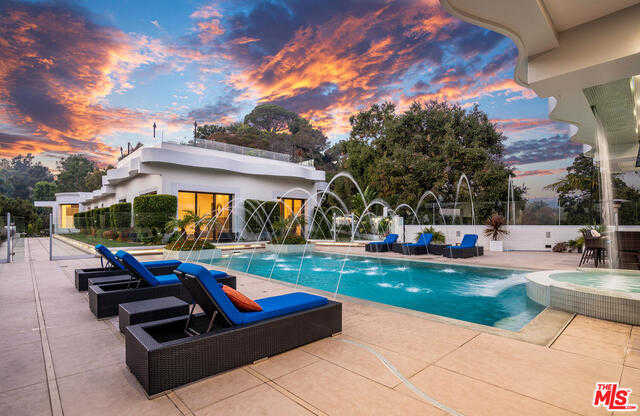 $15,990,000 - 6Br/Ba -  for Sale in Pacific Palisades