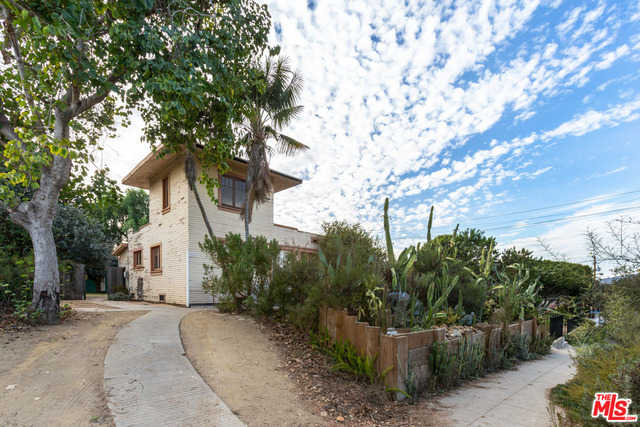 $2,295,000 - 2Br/Ba -  for Sale in Santa Monica