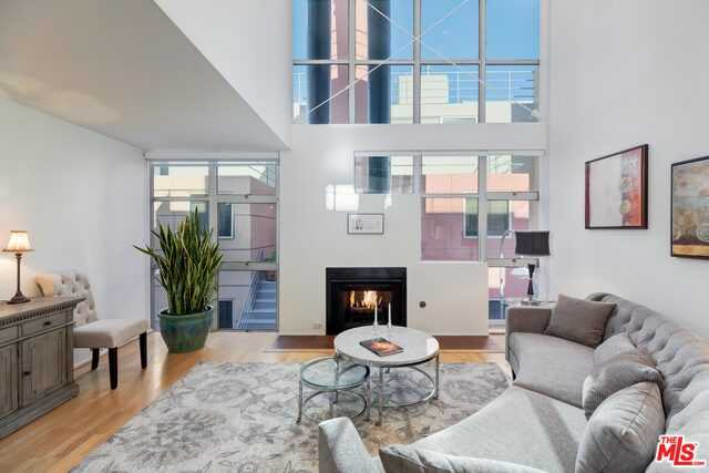 $1,228,000 - 2Br/Ba -  for Sale in Santa Monica