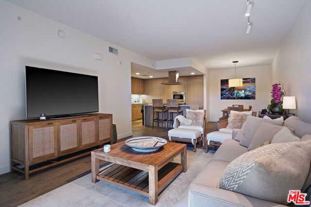 $1,699,000 - 1Br/Ba -  for Sale in Santa Monica