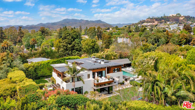 $21,000,000 - 7Br/Ba -  for Sale in Pacific Palisades