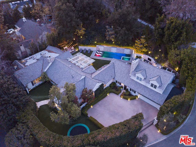 $7,995,000 - 5Br/Ba -  for Sale in Beverly Hills
