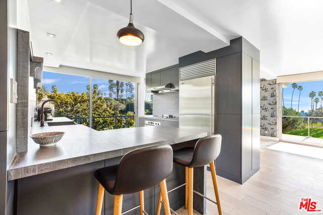 $3,775,000 - 3Br/Ba -  for Sale in Santa Monica