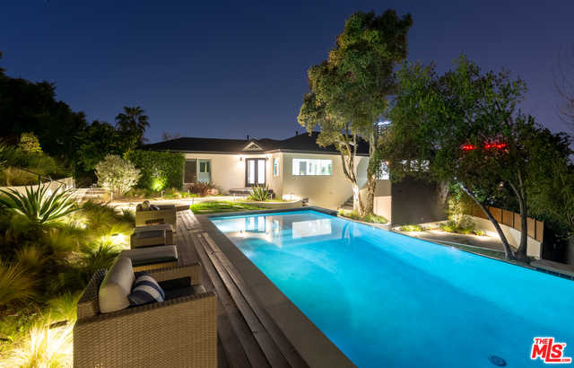 $3,950,000 - 4Br/Ba -  for Sale in Los Angeles