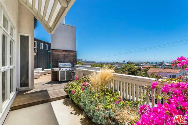 $2,595,000 - 3Br/Ba -  for Sale in Santa Monica