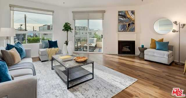 $1,129,000 - 2Br/Ba -  for Sale in Venice