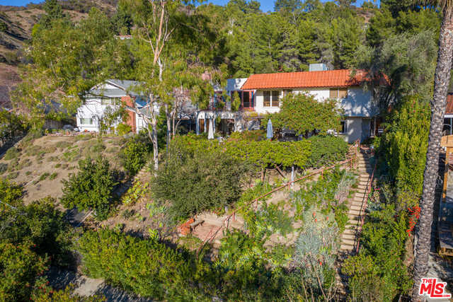 $2,975,000 - 5Br/Ba -  for Sale in Los Angeles