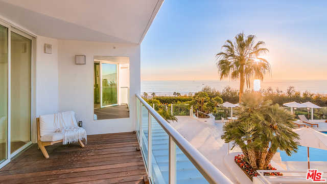 $6,250,000 - 2Br/Ba -  for Sale in Santa Monica