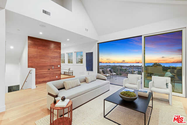 $6,995,000 - 5Br/Ba -  for Sale in Pacific Palisades