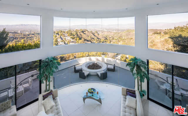 $7,950,000 - 5Br/Ba -  for Sale in Los Angeles