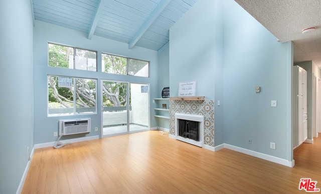 $630,000 - 2Br/Ba -  for Sale in Culver City