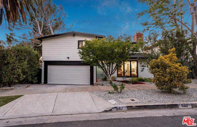 $3,395,000 - 3Br/3Ba -  for Sale in Pacific Palisades