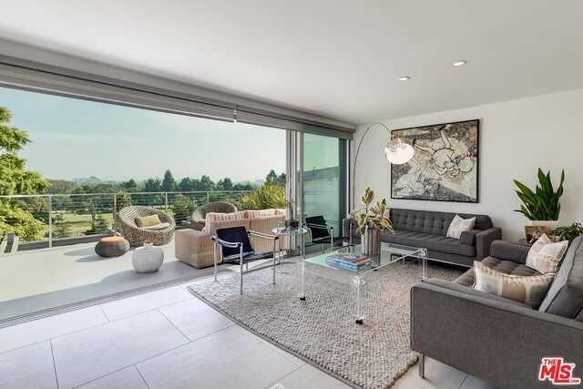 $3,295,000 - 5Br/Ba -  for Sale in Santa Monica