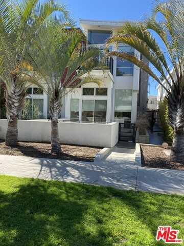 $2,788,800 - 4Br/Ba -  for Sale in Santa Monica