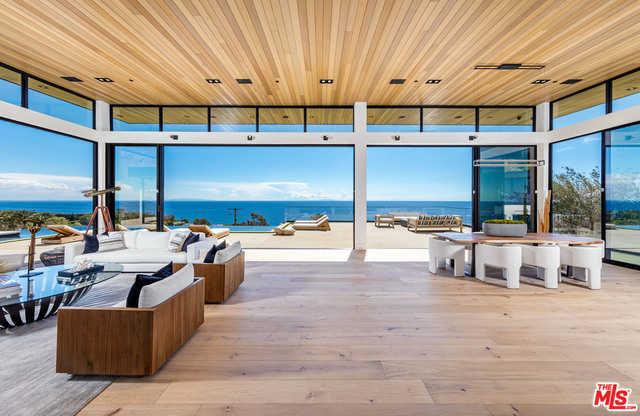 $11,750,000 - 5Br/Ba -  for Sale in Malibu