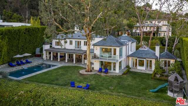$13,500,000 - 4Br/Ba -  for Sale in Pacific Palisades