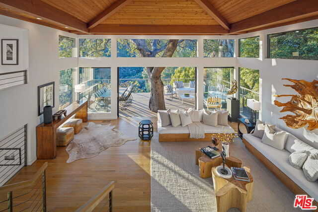 $6,499,000 - 4Br/Ba -  for Sale in Pacific Palisades