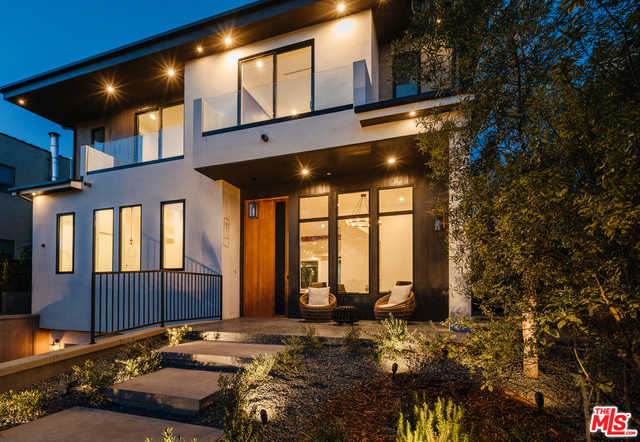$6,850,000 - 5Br/Ba -  for Sale in Pacific Palisades