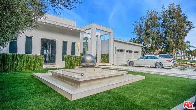 $10,900,000 - 5Br/Ba -  for Sale in Los Angeles