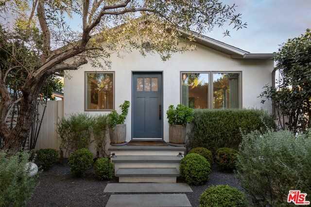 $2,399,000 - 2Br/Ba -  for Sale in Santa Monica