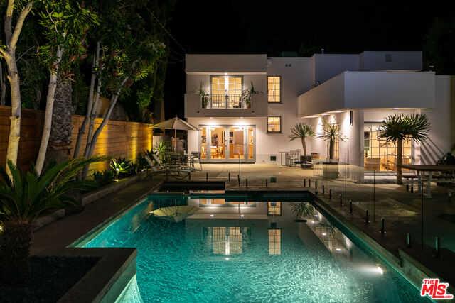$4,995,000 - 4Br/Ba -  for Sale in Santa Monica