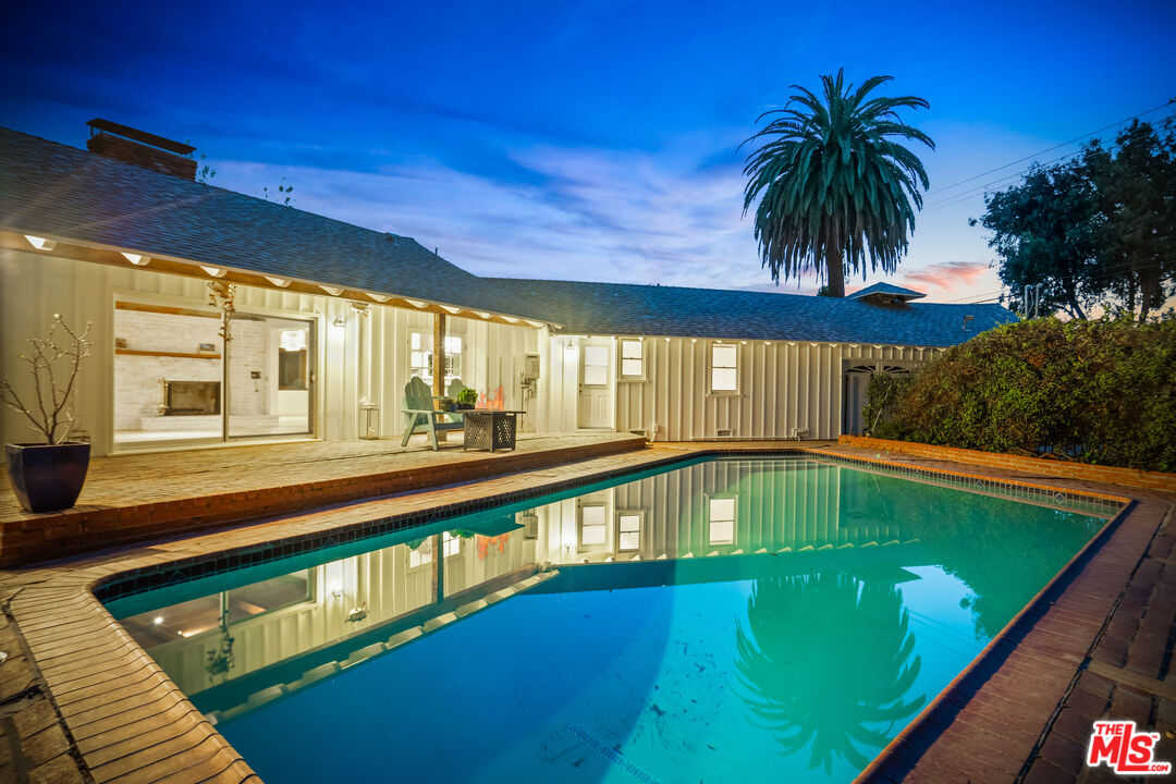 $3,150,000 - 4Br/Ba -  for Sale in Malibu