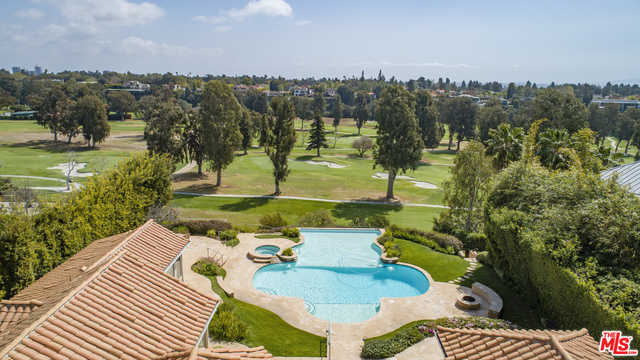 $15,950,000 - 4Br/Ba -  for Sale in Pacific Palisades