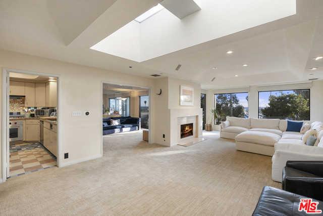 $4,495,000 - 4Br/Ba -  for Sale in Santa Monica