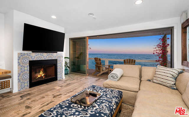 $3,450,000 - 3Br/Ba -  for Sale in Malibu